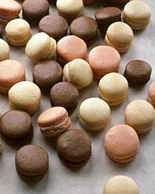 110105_baking_macroons_l