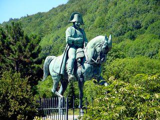Laffrey-statue-napoleon